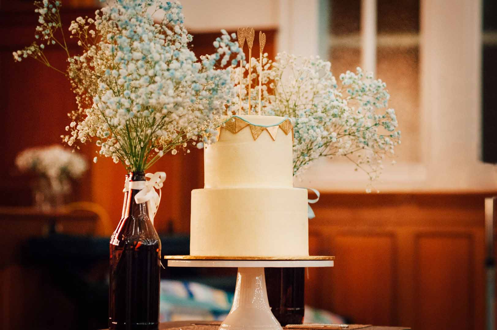 Wedding photography cake and flowers
