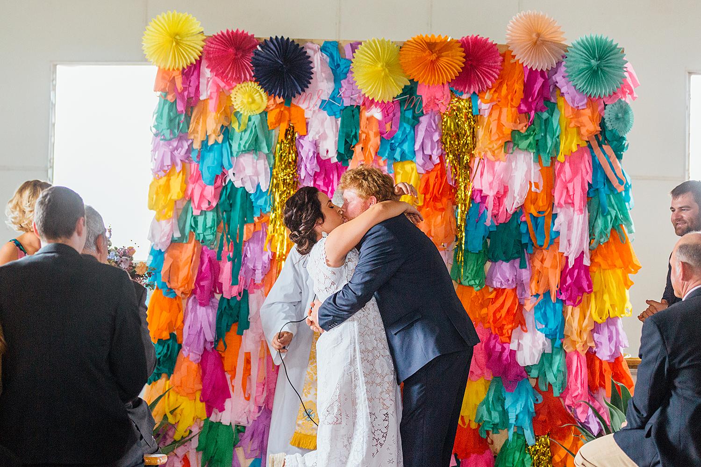 country nsw rusitc wedding photographyfirst kiss