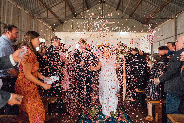 country nsw rusitc wedding photography confetti