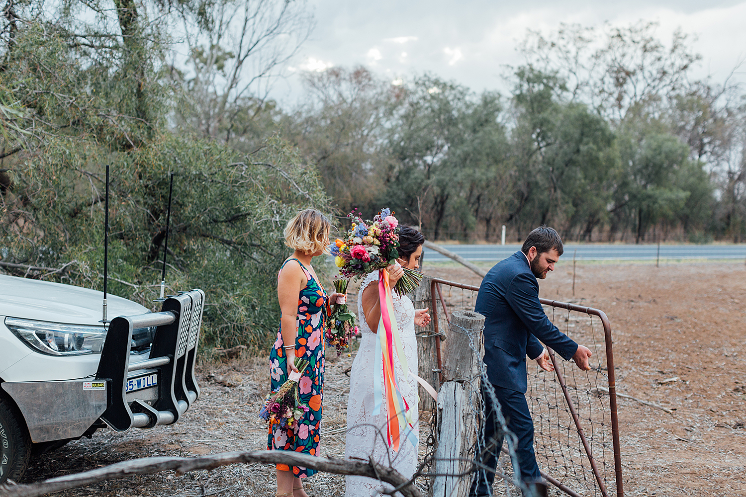 country nsw rusitc wedding photography bridal party