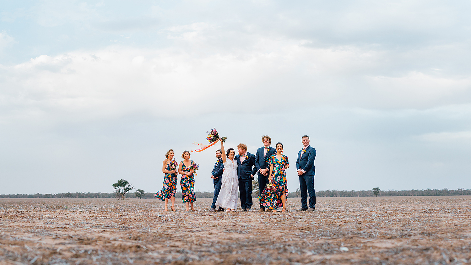 country nsw rusitc wedding photography bridal party photos