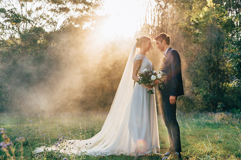 sunshine coast wedding photography smoke bombs